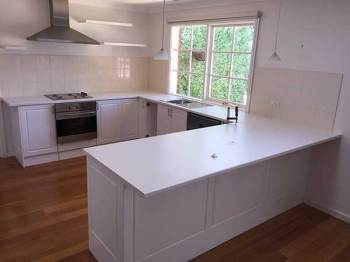 Laminate Kitchen Benchtop in Snow Fabrini, Ringwood North