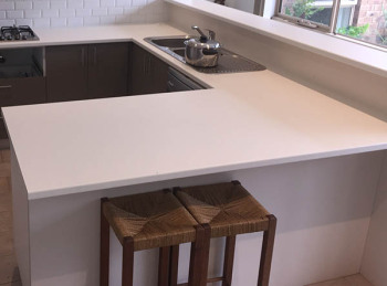 Laminate Kitchen Benchtop in Antique White, Glen Waverley